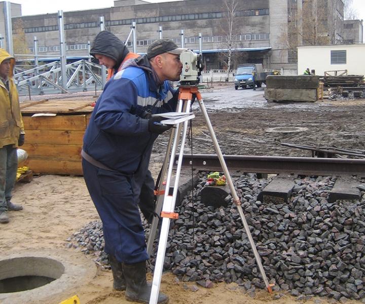 Строительство кранового пути (руководитель с геодезическим прибором) ООО «ГРОМ», 2013 г.