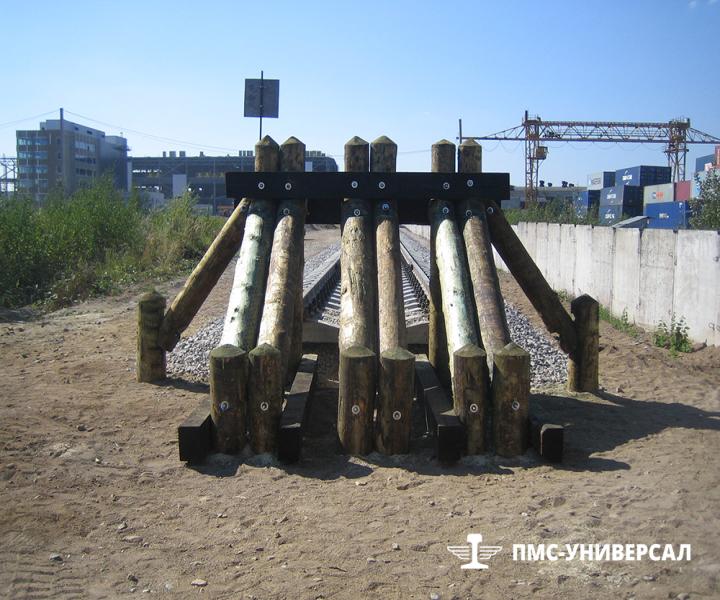 Строительство железной дороги (тупиковый деревянный упор) ЗАО «ЮИТ Санкт-Петербург», 2014 г.