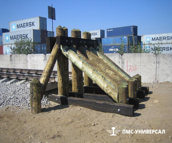 Строительство железной дороги (необсыпанный тупиковый деревянный упор) ЗАО «ЮИТ Санкт-Петербург», 2014 г.