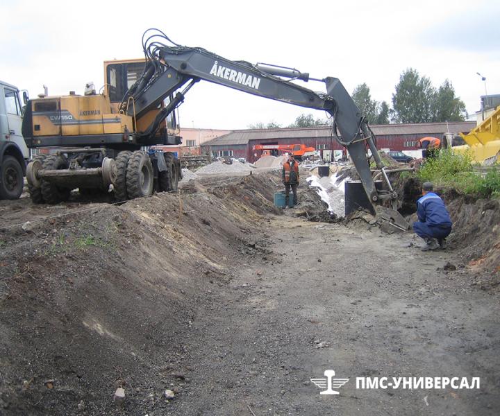 Строительство кранового пути (разработка грунта под устройство дренажа) ООО «ГРОМ», 2013 г.