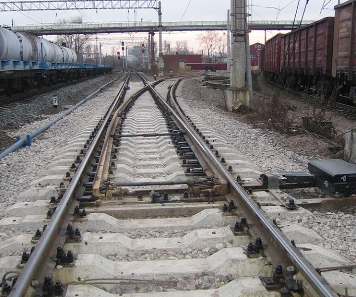 Стрелочный перевод принят в эксплуатацию на ст. Нарвская (Октябрьская железная дорога), 2009 г.