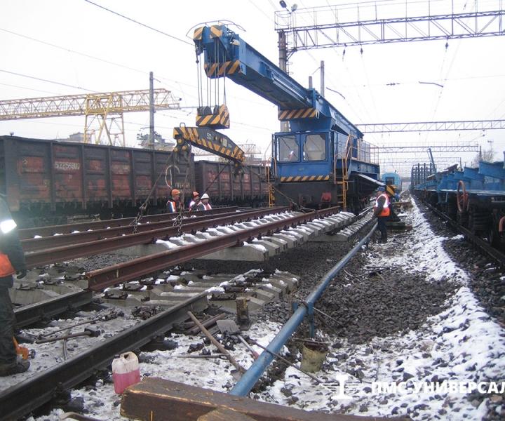 Врезка стрелочного перевода в ходовой путь ст. Нарвская (Октябрьская железная дорога), 2009 г.
